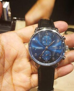 Fake IWC watches with blue dials are classical and outstanding.