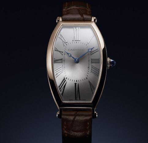 The Cartier has reinterpreted the essence of the original Tonneau that released in 1906.