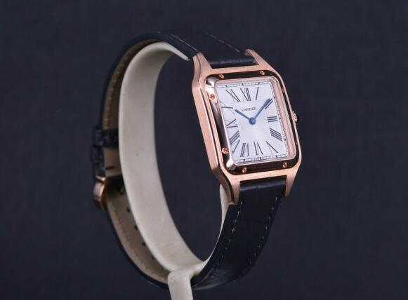 The rose gold case and black leather strap make this Cartier very suitable for formal occasion.