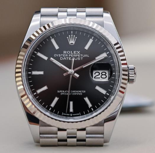 The Datejust could be considered as the paragon of modern elegance.