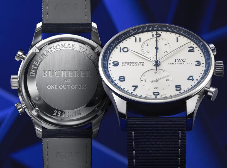 The blue Arabic numerals hour markers ensure the ultra legibility.