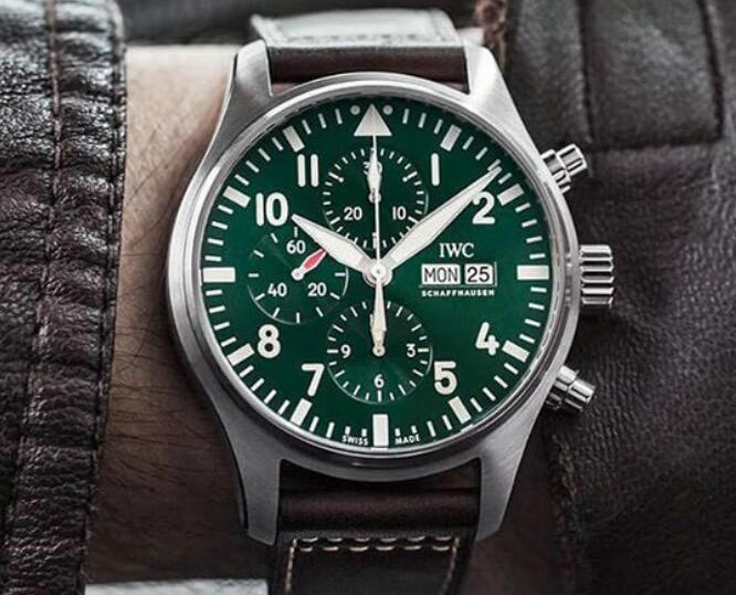 The green IWC Pilot's has attracted numerous watch lovers.