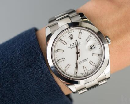 Rolex Datejust is suitable for formal occasion and causal occasion.