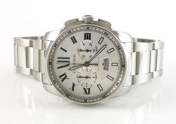 The white dial fake watch has date window.